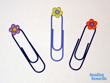 DIY-bookmarks-paperclip-buttons-2